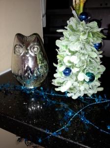 Whooo has the holiday spirit?